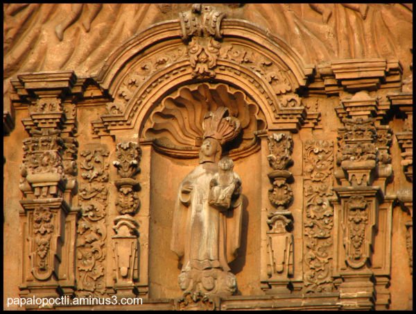Imagen religiosa tallada en cantera