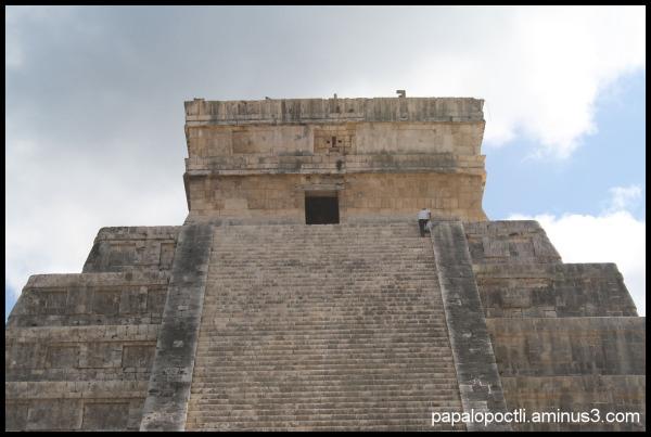 Detalle de pirámide de Kukulcán