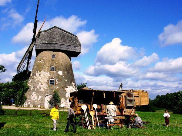 Araisi Latvia Bread festival windmill