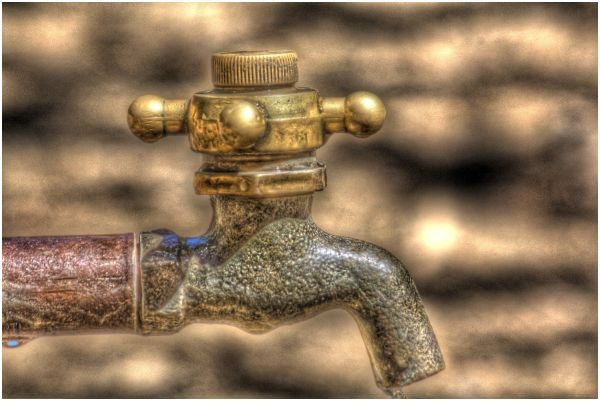 HDR water spout