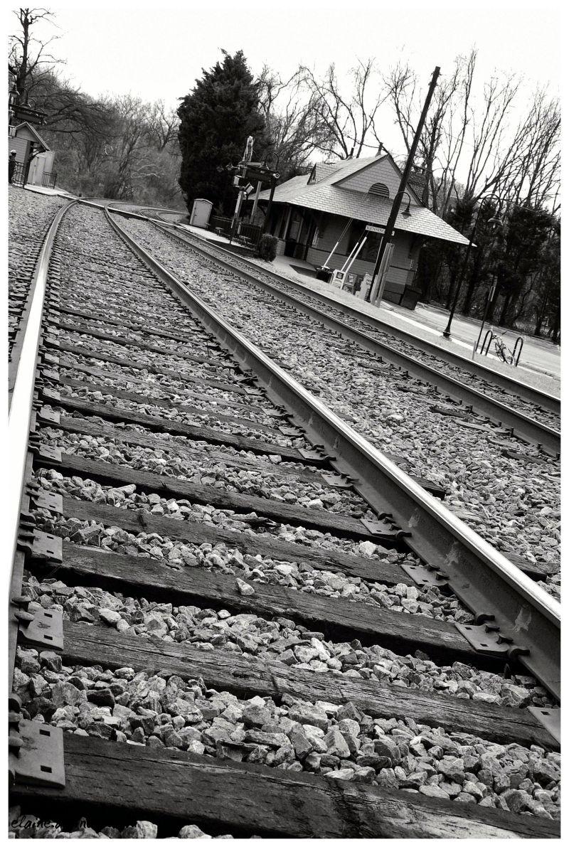 train, train station
