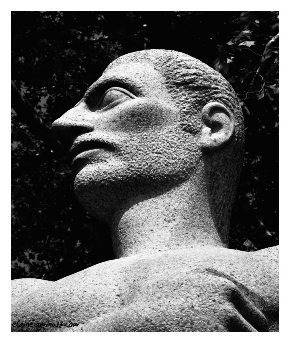 sculpture the scientist