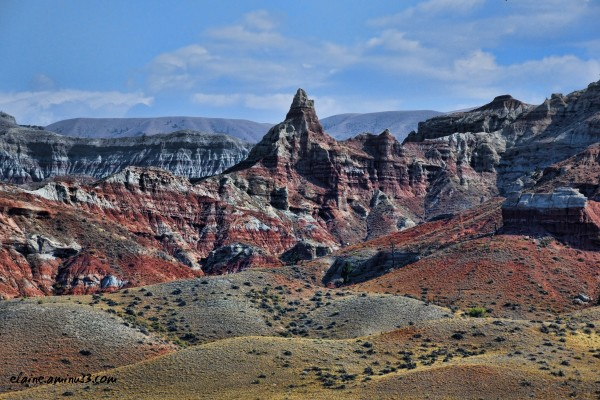 red rock cliffs