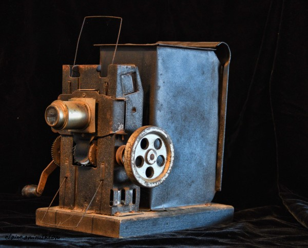 Moviegraph Projector