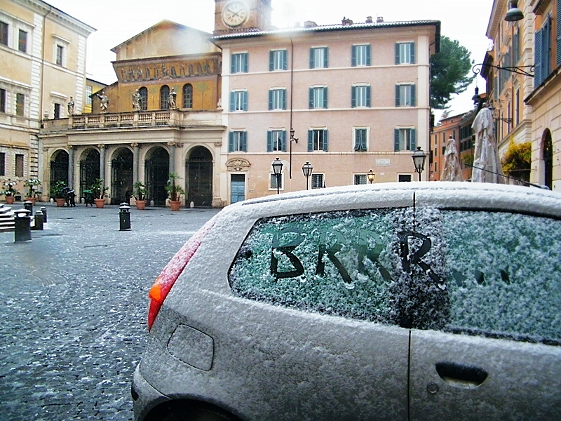 Snow in Rome 3!! : D