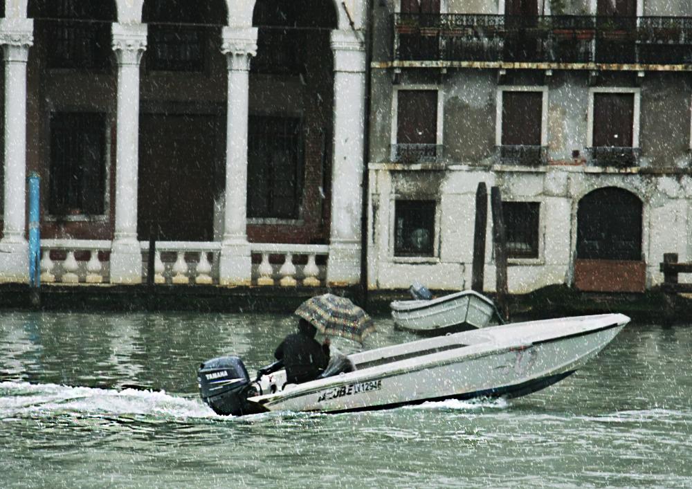 A strange spring in Venice 3