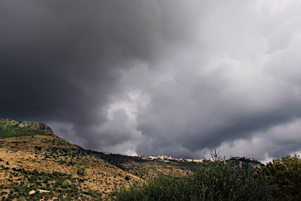 Ninfa, oasi, landscape, clouds, Norma