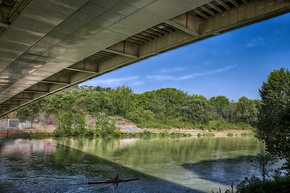 Under the bridges (of Rome)