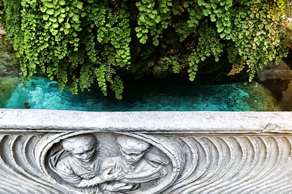 ...a urban reuse (Roman sarcophagus)