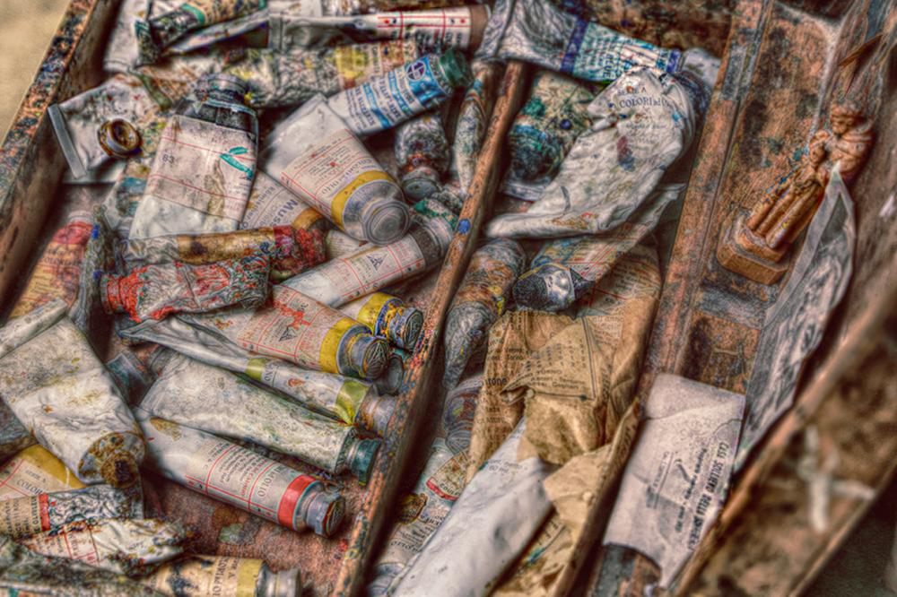 The Artist's tools (Giorgio De Chirico) 2