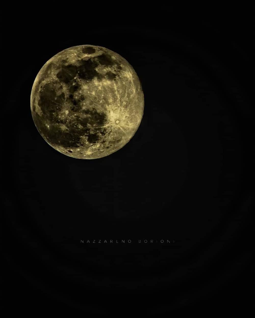 A moon light