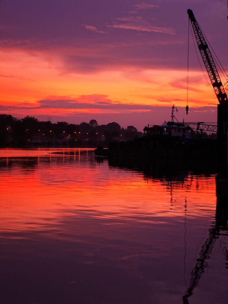 Sunrise @kuching waterfront