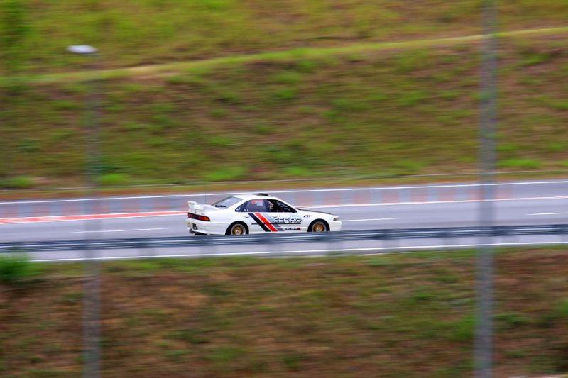 car zoom fast