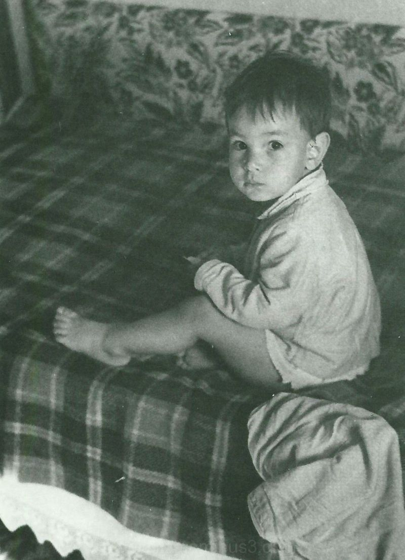 Yup, that's me... 40 years ago :)