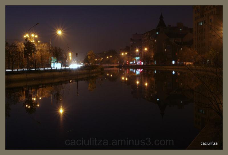 Walking at night in Bucharest