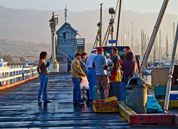 Santa-Barbara, Navy-Pier, fish-market