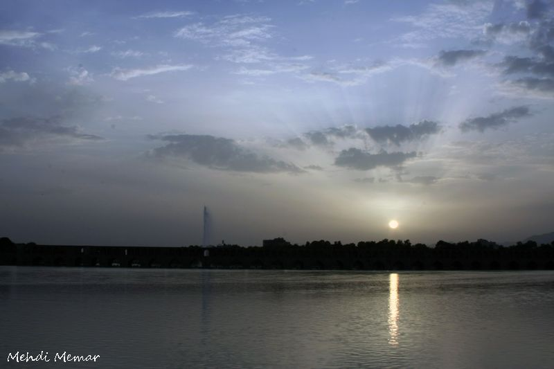 Sunset in 33 pol Isfahan