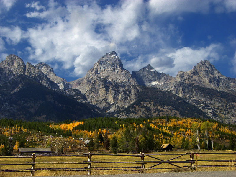 Grand Tetons in wyoming in the fall