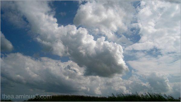 clouds wind blue