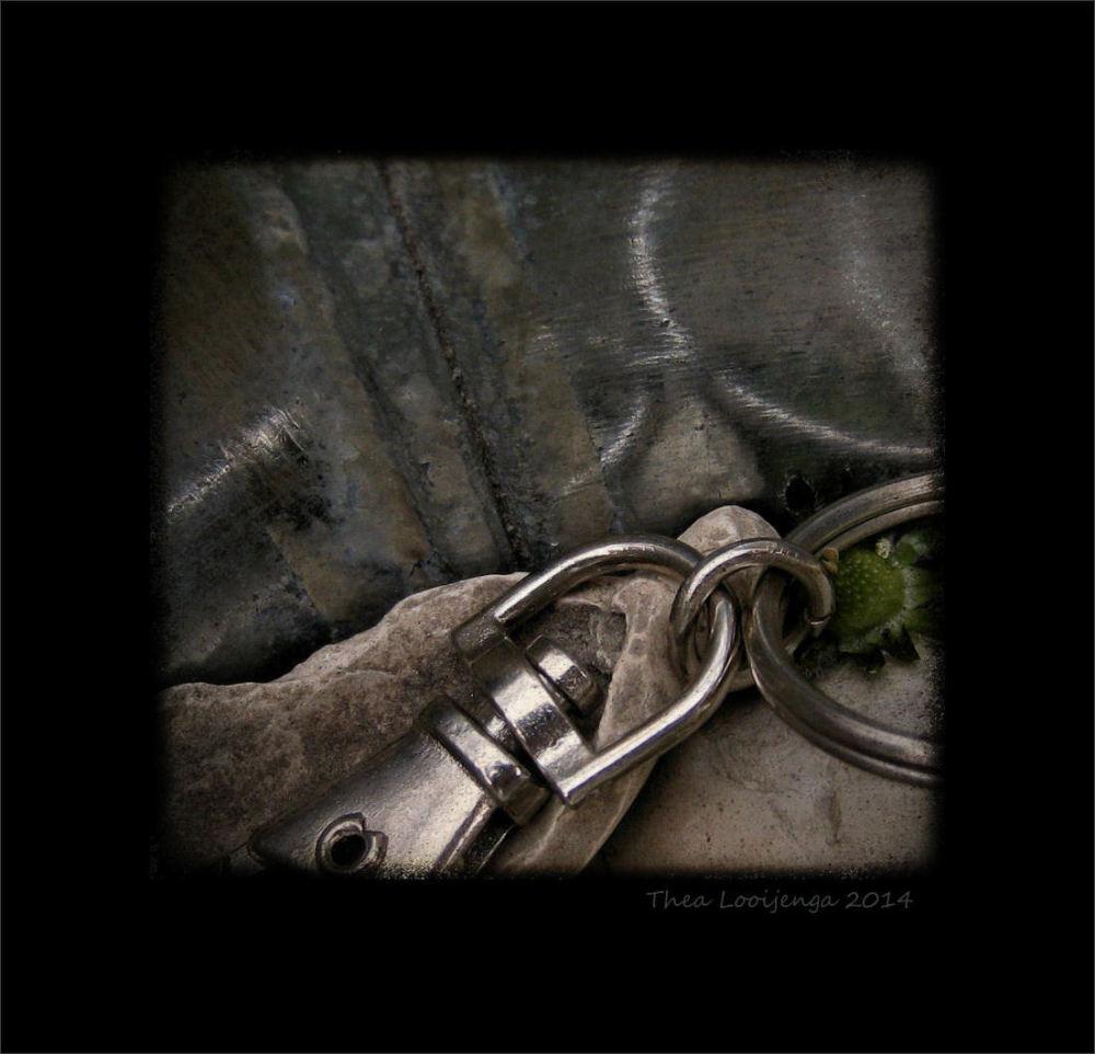 macro pipe key holder