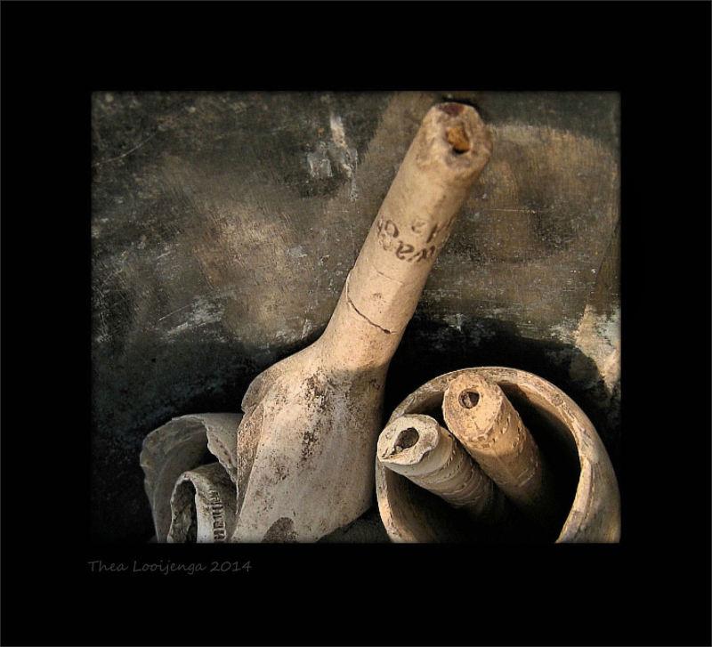 macro clay pipes