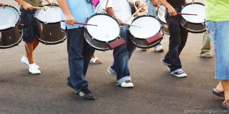 tambores ensayando para Semana Santa