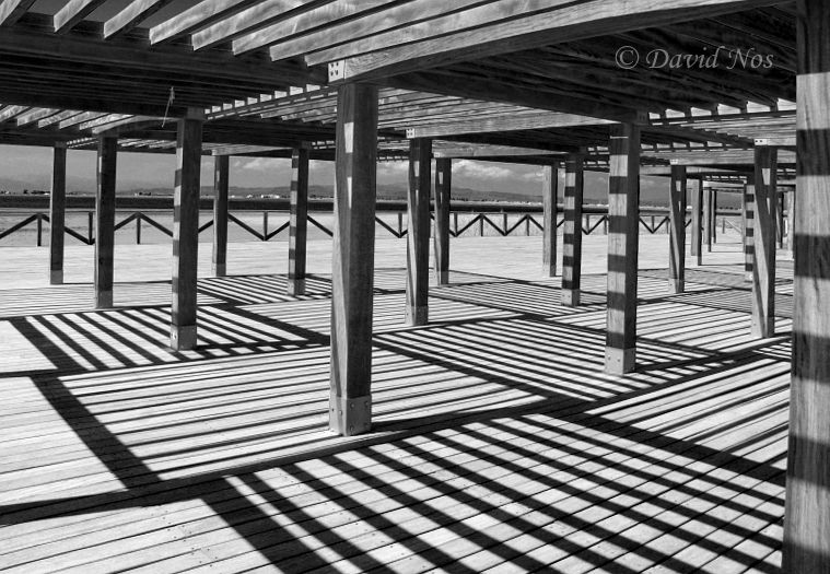 Sun and shadow (straight legs)