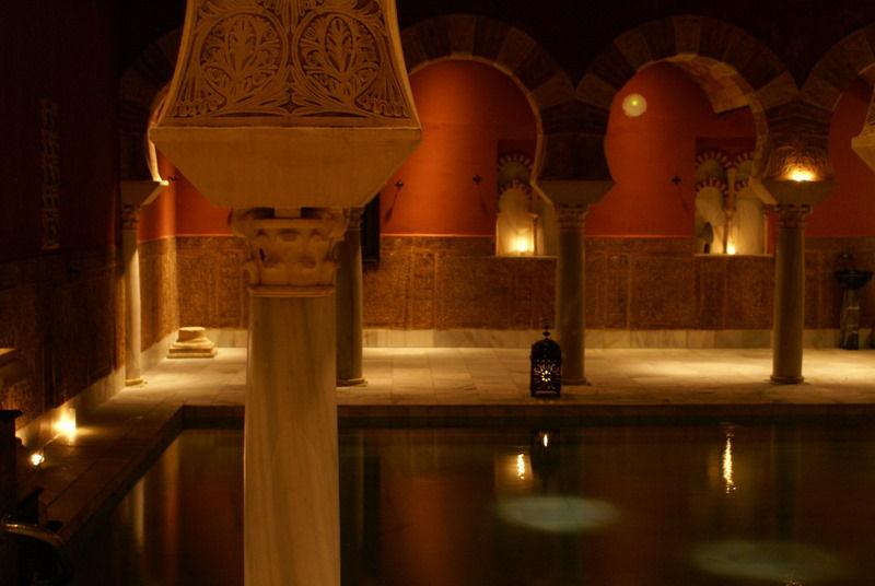 sala templada baños arabes de cordoba