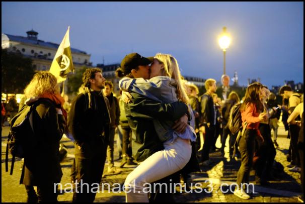Night kiss, souvenir