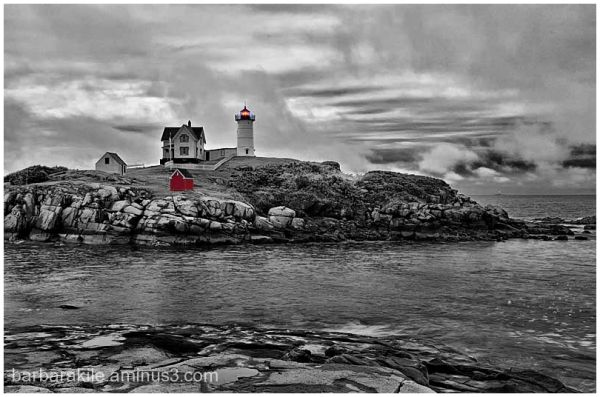 b-w of nubble light house