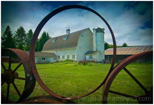 Palouse Wheel Fence and Barn