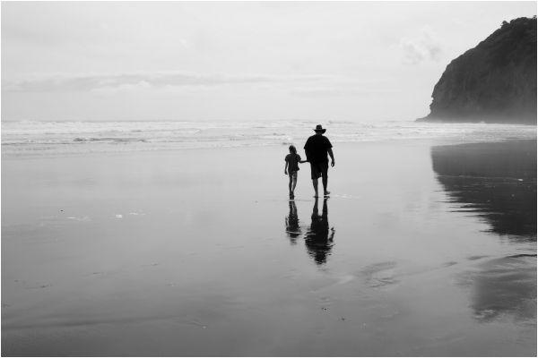 Father, Child, B&W, spotlight