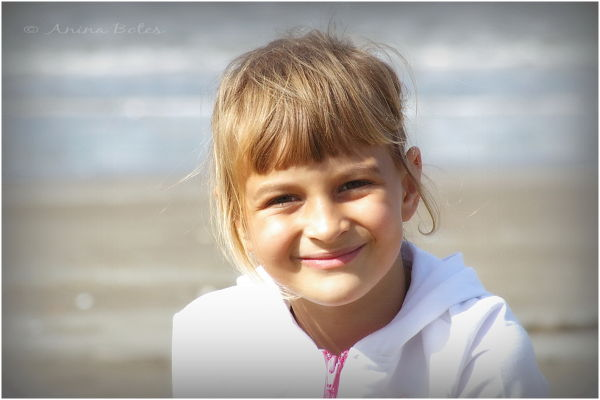 Anja, portrait, beach