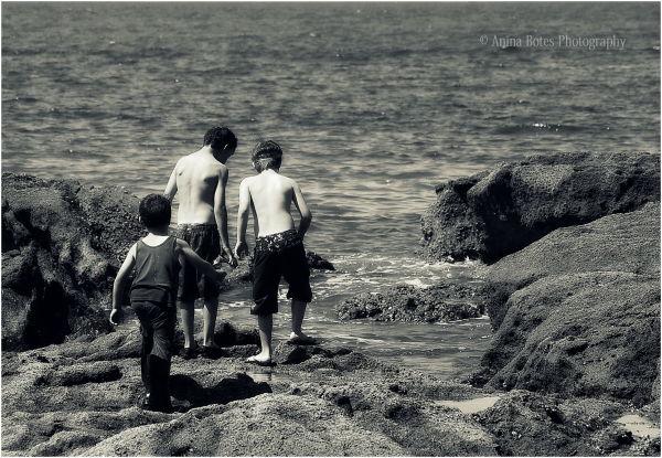 boys, rocks, mission, beach, B&W