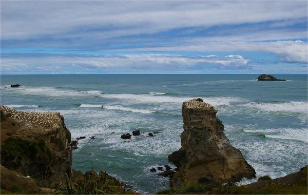 Cliffs, rocks, ocean