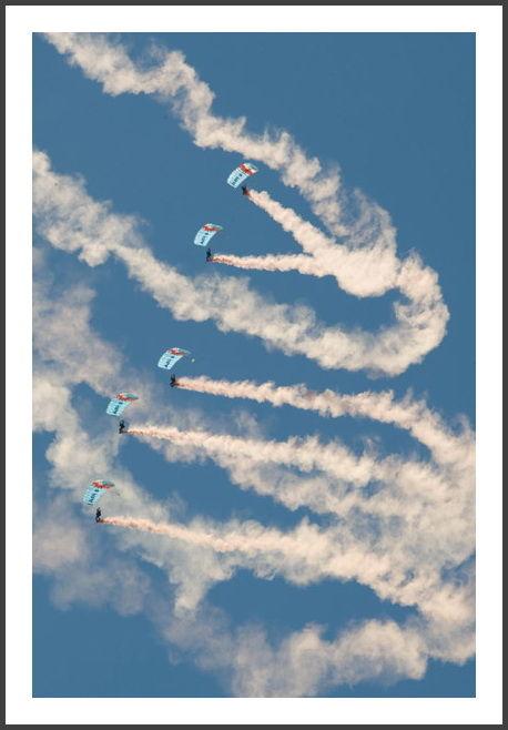 Parachute, Air Show