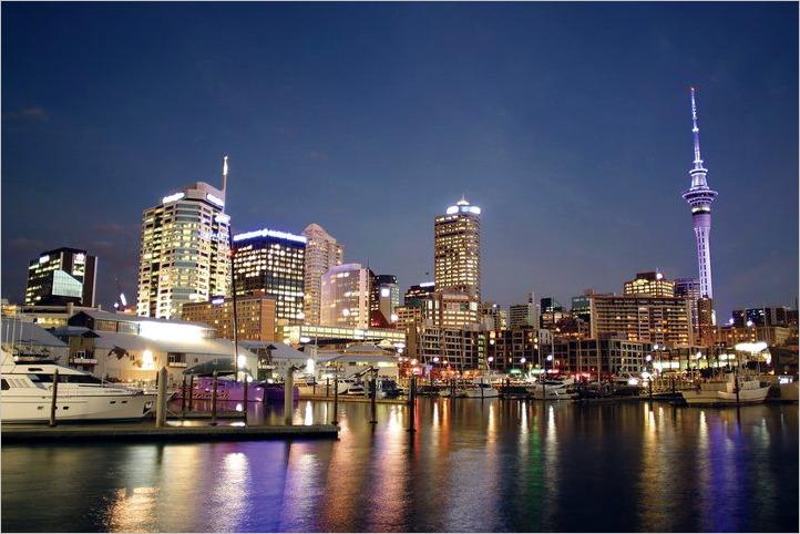 Auckland, Evening