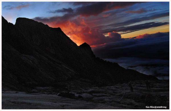 Sun Rise of Mountain Kinabalu