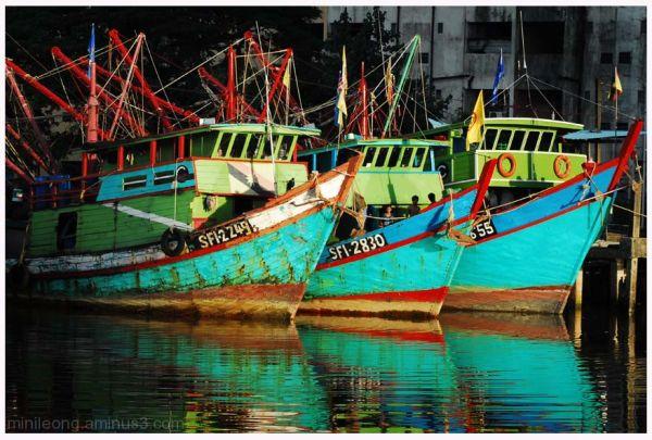 fishing boat of sarawak river