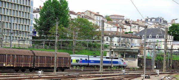 Un vieux train peut en cacher un nouveau