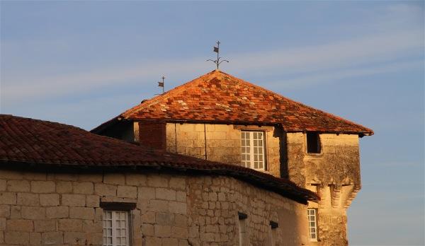 Soleil couchant à Aubeterre