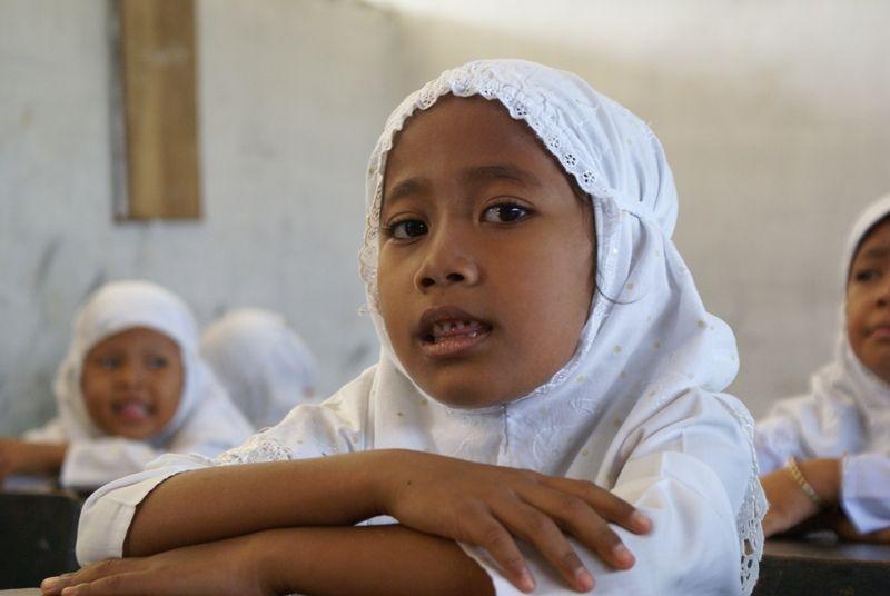 Sumatra, school