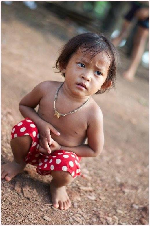 Klein nieuwsgierig meisje/ little curieus girl