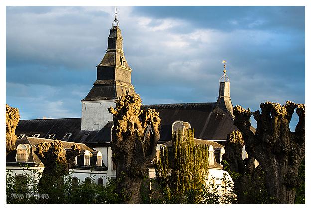 Chateau Heel