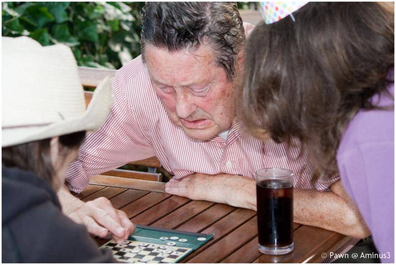 Wim Joustra playing chess