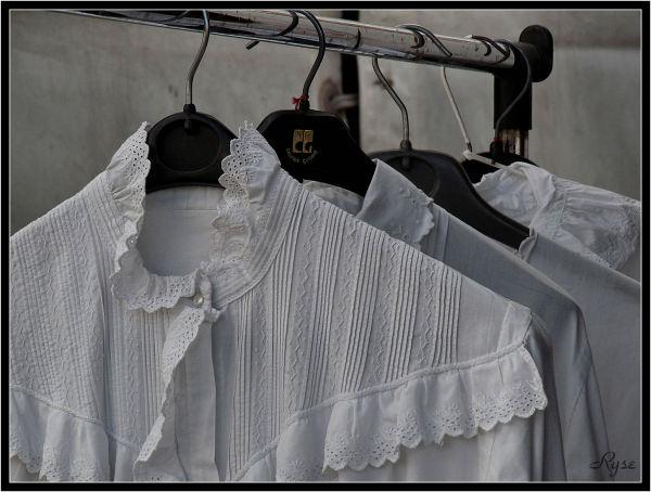 BROCANTE : Cols blancs (6)