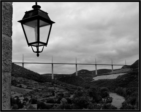 Lumière sur le Viaduc de Millau