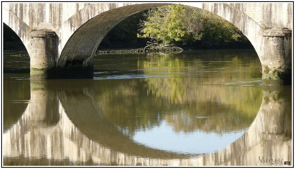 Sous le pont de l'Adour...
