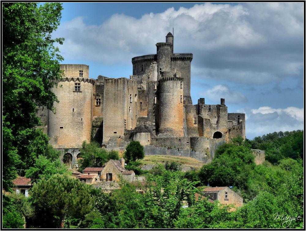 Le château de Bonaguil version couleur