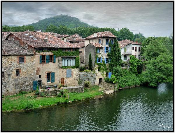 Sur les bords de l'Aveyron